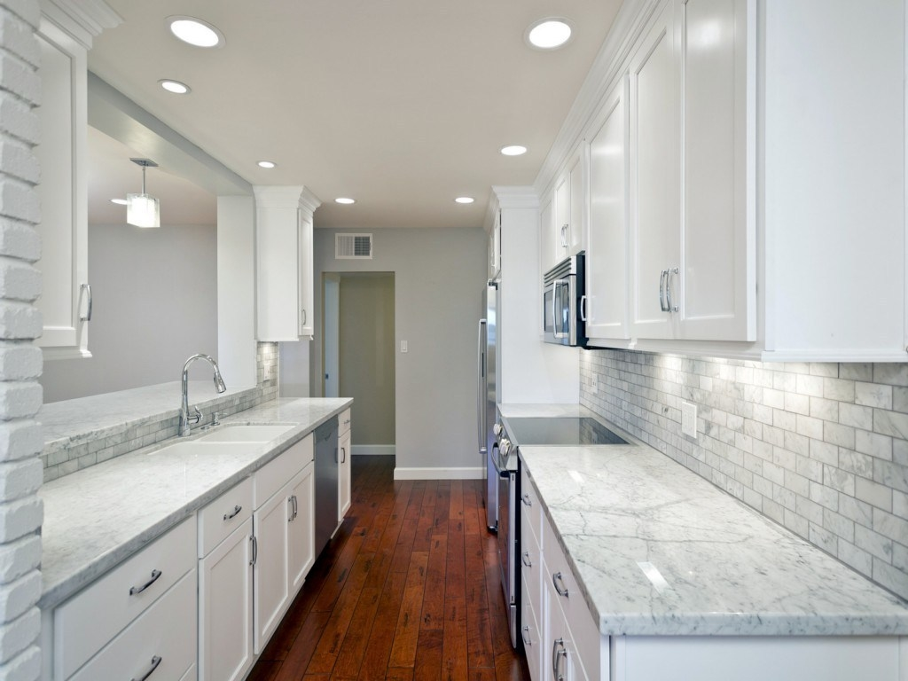 The exactly dimension of Kitchen Renovation aka Kitchen Remodeling Ideas  White Cabinets Ktyktnzh Trend Home 2015 was 1280 x 960 pixels