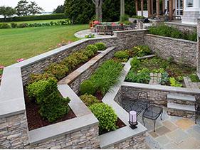 Ohio backyard retaining wall with Eldorado Stone