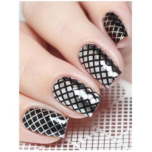 Black nails with white design