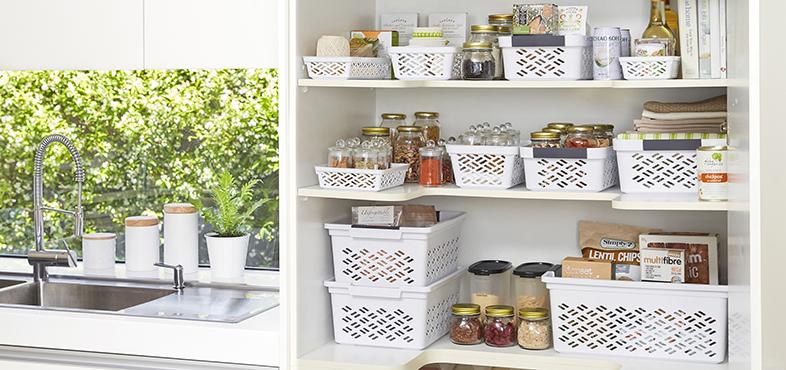 pantry closet organizer