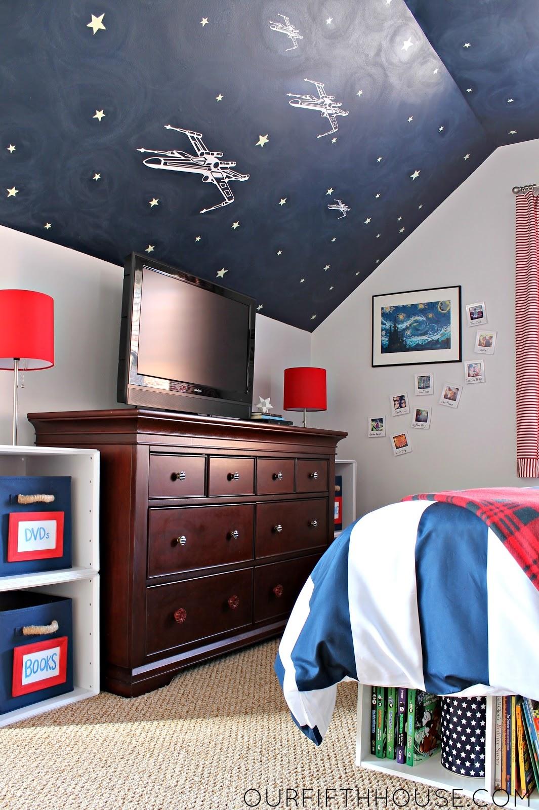 11 year old boys bedroom