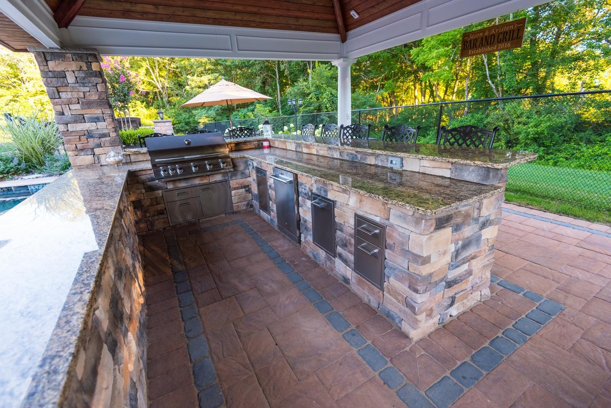 Outdoor Kitchen & Living Space Remodel design trend alva,