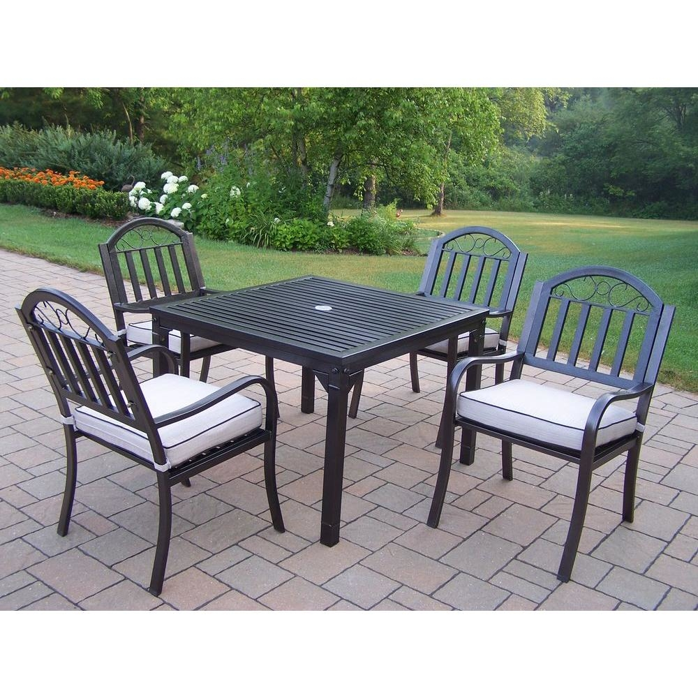 Dining Set with  Square Table, 4 Cushioned Chairs, Umbrella and Base (Hammertone Brown