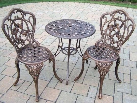 Dining Set with Mildrew Resistant  Cushions