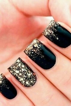 25 Stylish black gel nail designs