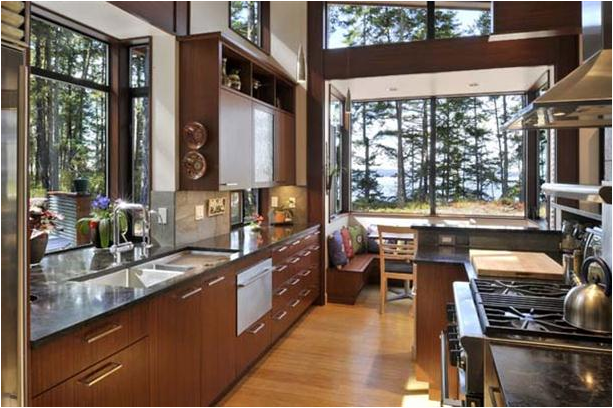 The Asian kitchen cabinet complements well with the layout, offers a homey and casual feeling to the host