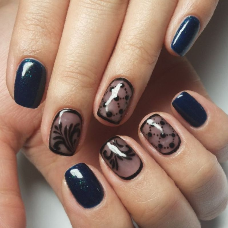 Clockwork in the transparent gel nail design