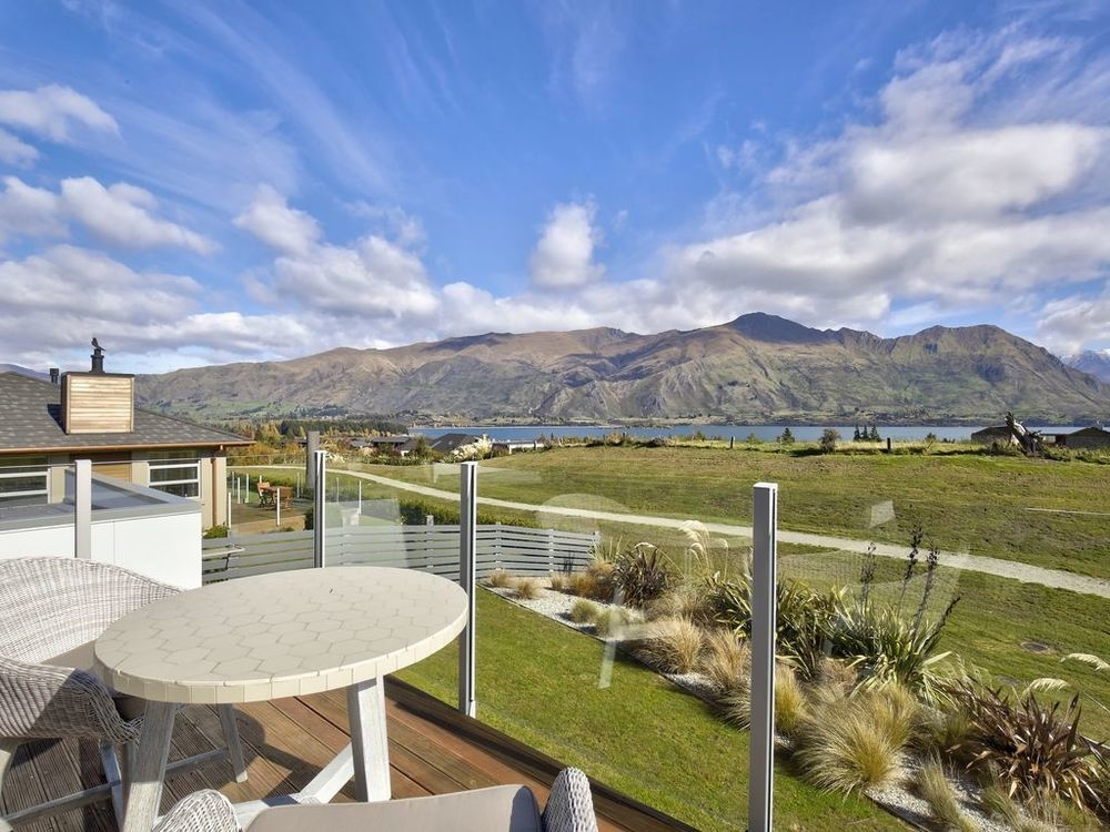 Yep, that's one of the largest rooftop decks for a private home in downtown Aspen