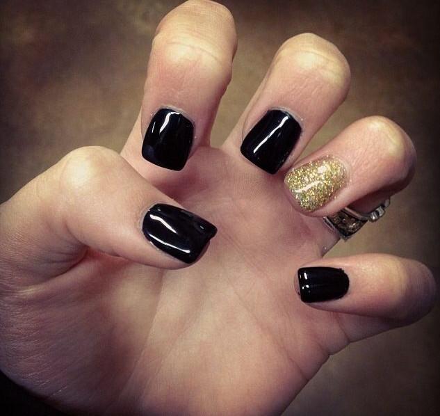 cool Black gold glitter gel nail art design