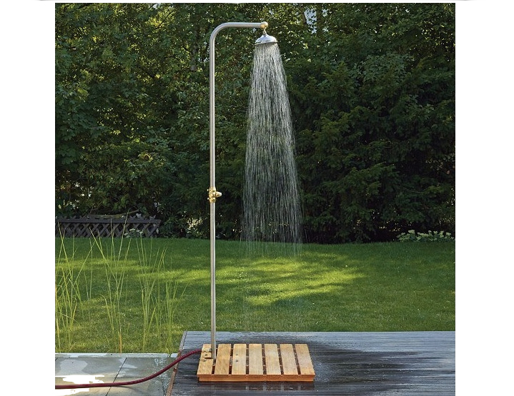 A basic outdoor shower is easy to rig up and the look opens up a natural  world of creativity