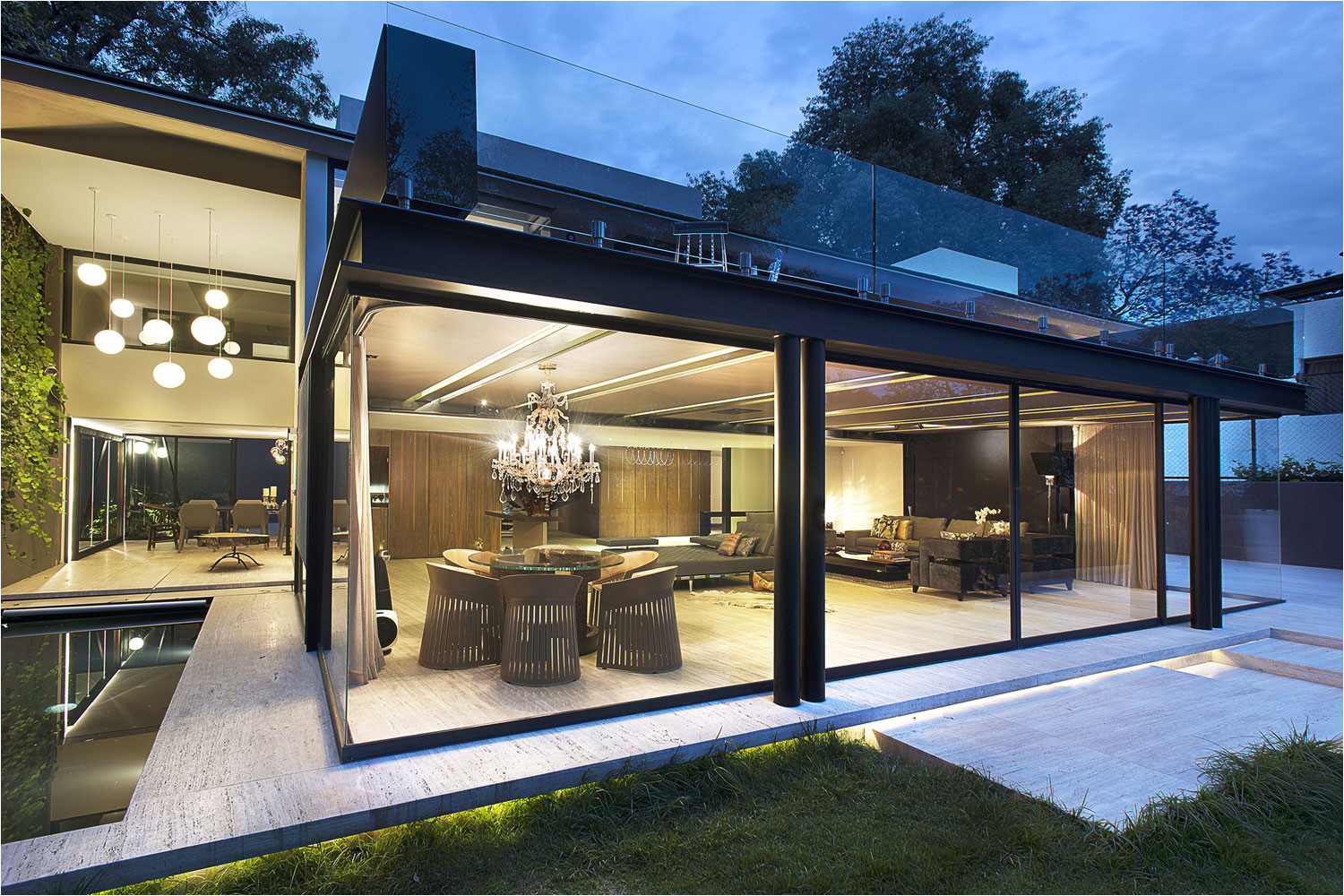Amazing idea for concrete, steel and glass house built