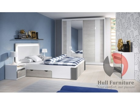 Ackerson Grey Bedroom Set